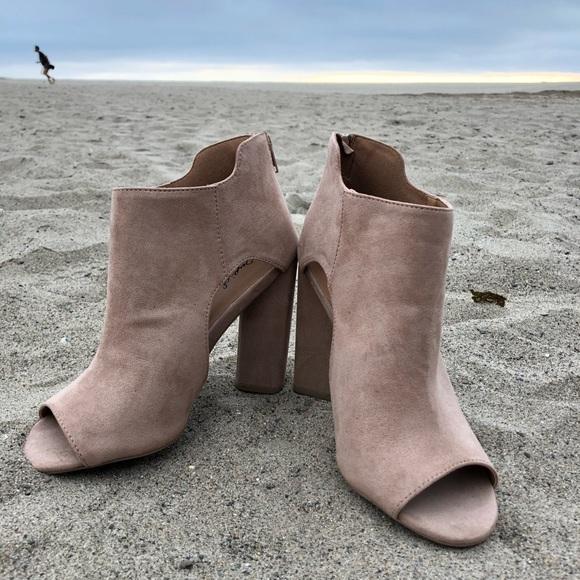 Ellie Shoes E-709-Prism 7 Inch Juliet Sandal with Rainbow Design